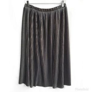 Zara Black Metallic Pleated Skirt